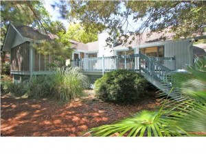 30 Edgewater Alley Isle of Palms listed by dunes properties