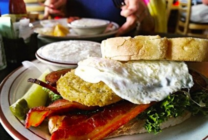 budget-friendly Charleston brunches